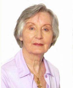 Portraitfoto der Autorin Madeleine Klümper-Lefebvre auf dem Sie eine helllila Bluse trägt.